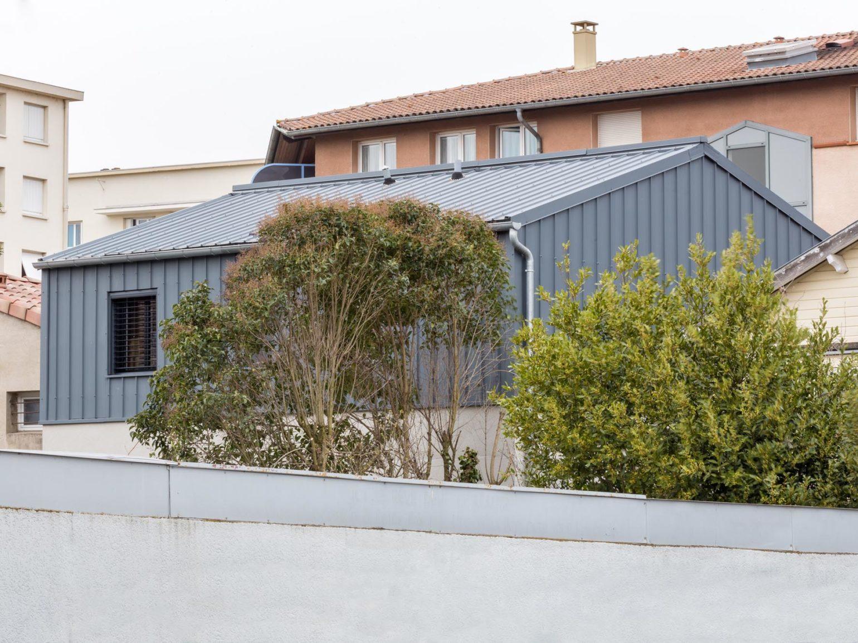 Le2bis-Agence d'architecture toulouse-Surélévation contemporaine minimaliste Maison Toulouse-Façade sur jardin-P