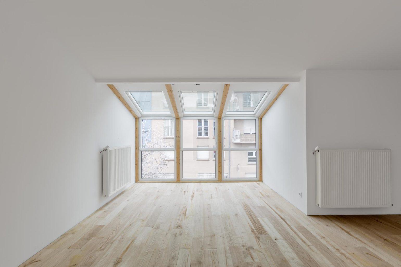 Le2bis-Agence d'architecture toulouse-Surélévation contemporaine minimaliste Maison Toulouse-Détail bow window-Charpente-Velux