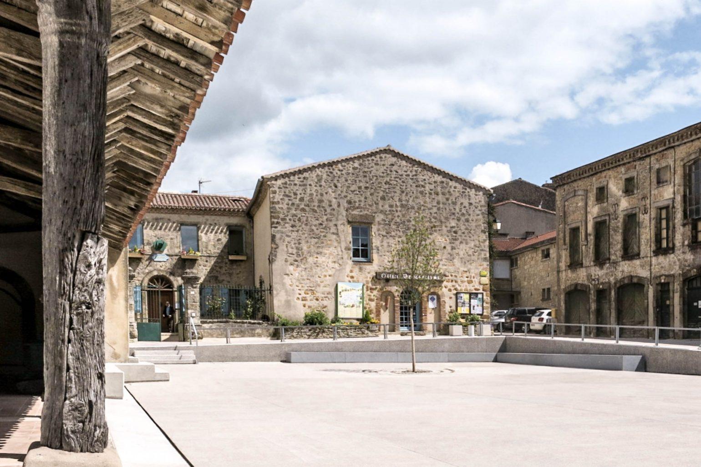 Le2bis-espaces publics Saint-Félix Lauragais - Place centrale-Mouvement topographique