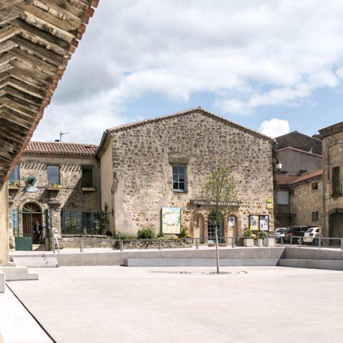 Le2bis-Agence d'architecture toulouse-espaces publics Saint-Félix Lauragais-Place centrale