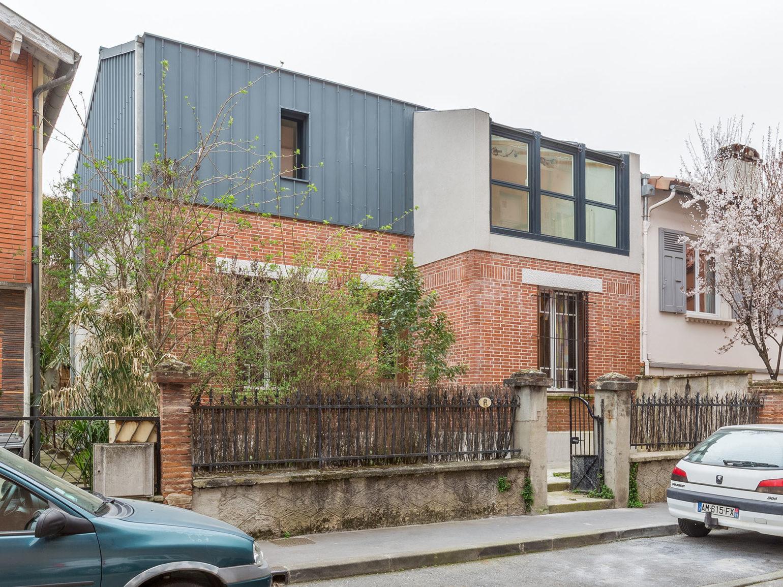 Le2bis-Agence d'architecture toulouse-Surélévation contemporaine minimaliste Maison Toulouse-Façade sur rue